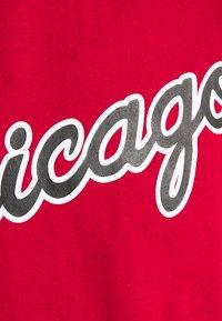 Mitchell & Ness - NBA CHICAGO BULLS GAMEDAY HOODY - Sweatshirt - red/scarlet - 6
