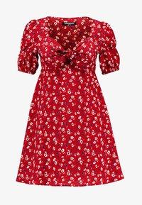 Fashion Union Petite - ROMINA - Hverdagskjoler - red - 4