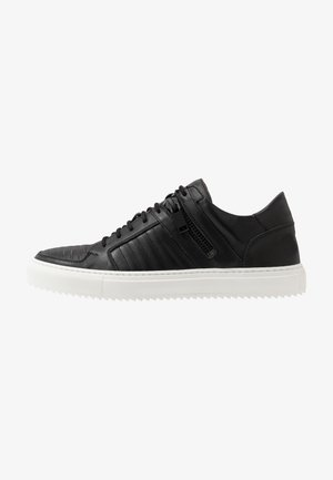 GLARE - Trainers - black
