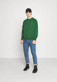 Lacoste LIVE - UNISEX - Sweatshirt - green - 1