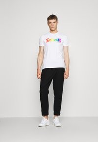 Schott - LOGO - Print T-shirt - white - 1