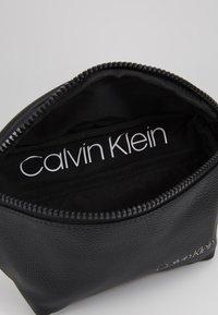 Calvin Klein - DIRECT WAISTBAG - Marsupio - black - 4