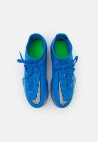 Nike Performance - JR PHANTOM GT CLUB DF MG UNISEX - Moulded stud football boots - photo blue/metallic silver/rage green - 3