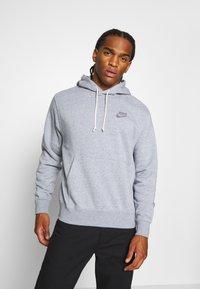 Nike Sportswear - HOODIE - Jersey con capucha - multi-coloured/obsidian - 0
