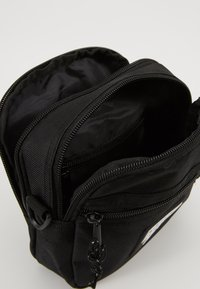 Obey Clothing - CONDITIONS TRAVELER BAG - Across body bag - black - 5