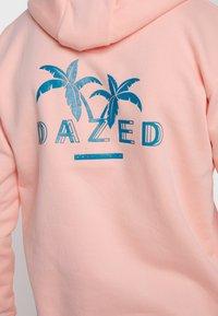 Common Kollectiv - UNISEX BACK PRINTED SLOGAN DREAM HOODIE - Bluza z kapturem - pink - 6