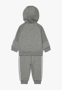 adidas Originals - OUTLINE HOODIE SET - Træningssæt - medium grey heather/white - 1