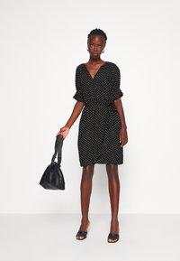 Gap Tall - TIE WAIST - Sukienka letnia - black - 1
