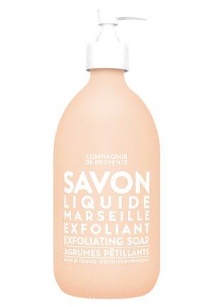 LIQUID EXFOLIATING MARSEILLE SOAP  - Vloeibare zeep - -