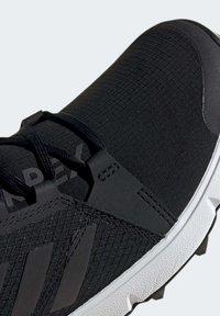 adidas Performance - TERREX SPEED GORE-TEX TRAIL RUNNING SHOE - Trail running shoes - black - 6