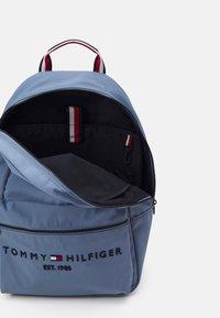 Tommy Hilfiger - ESTABLISHED BACKPACK UNISEX - Zaino - blue - 1