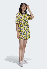 adidas Originals - BELLISTA TEE DRESS - Vestido informal - yellow - 4