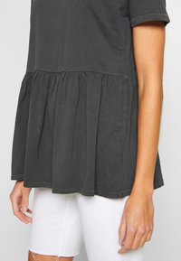 ONLY - ONLALLIE  LONG TEE - T-shirts - black - 5