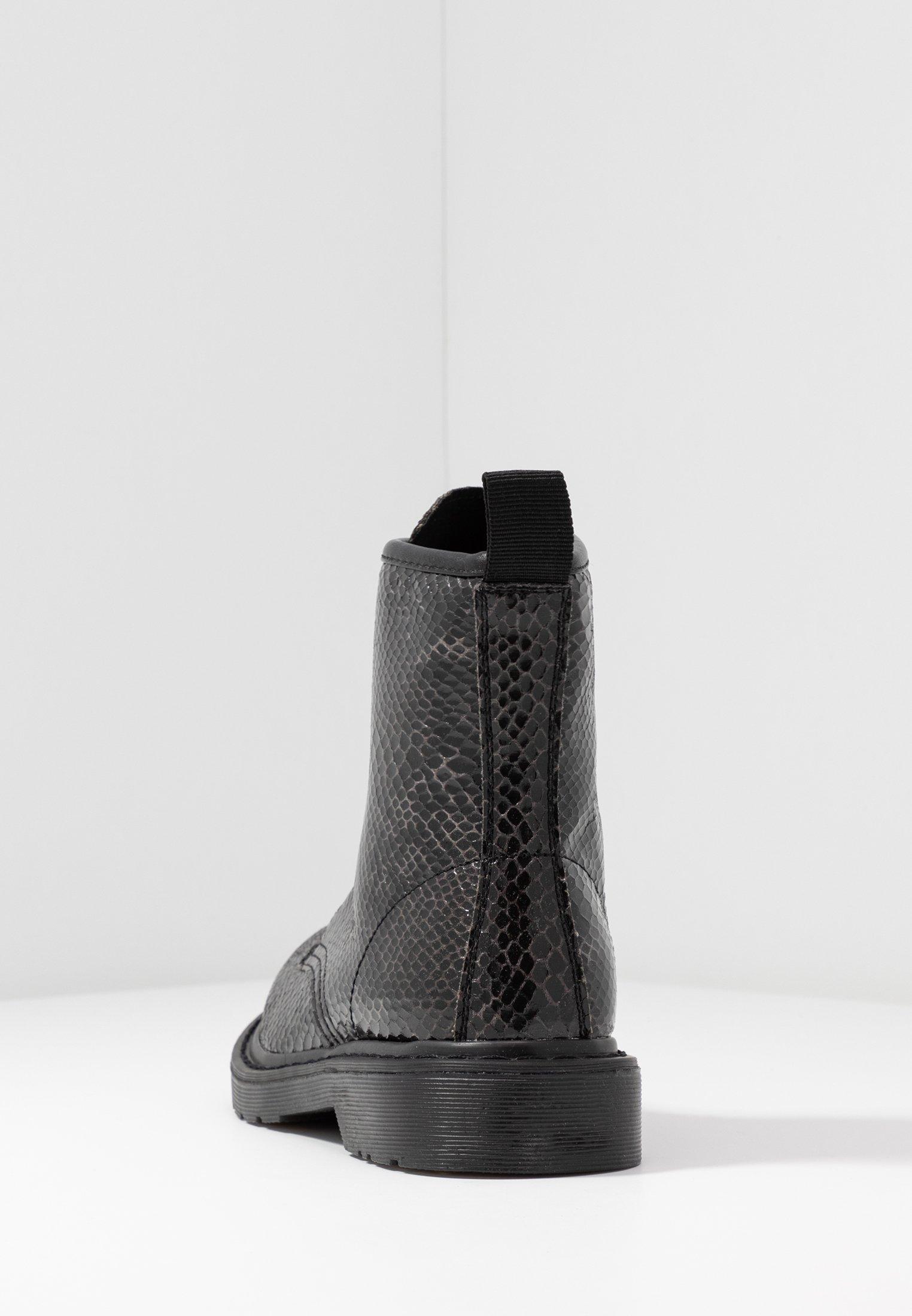 Tata Italia Snørestøvletter - grey