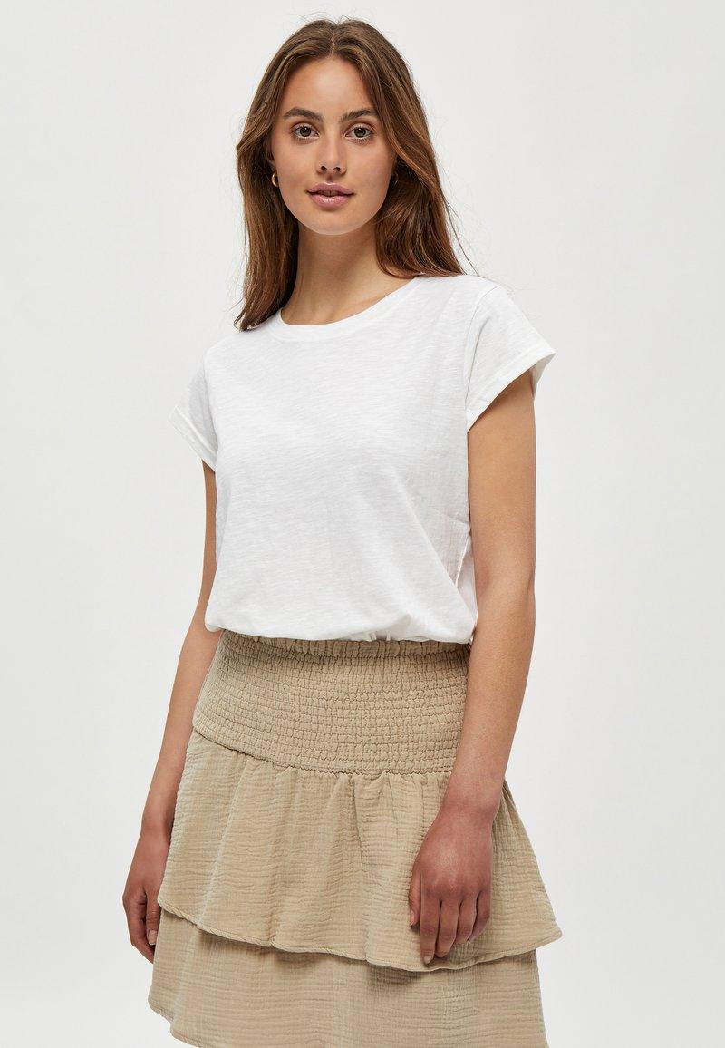 Minus - LETI - Basic T-shirt - white