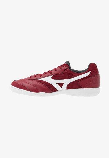 MRL SALA CLUB IN - Indoor football boots - biking red/white