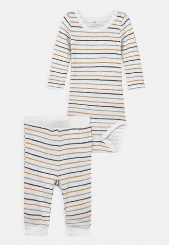 NBMDITIM SET - Trousers - snow white