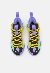 adidas Performance - HARDEN STEPBACK 2 BASKETBALL BOUNCE SHOES UNISEX - Basketball shoes - core black/team yellow - 3