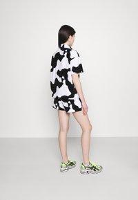 NEW girl ORDER - COW PRINT - Shorts - multi - 2