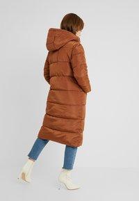 Glamorous Petite - Winter coat - nut brown - 2