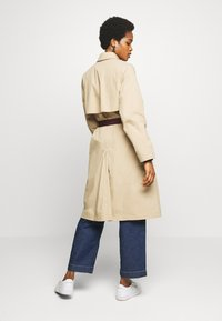 Lacoste - Trench - viennese - 2