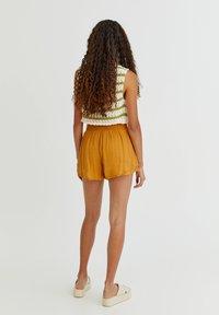 PULL&BEAR - Shorts - orange - 2