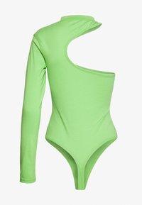 Missguided - FESTIVAL EXCLUSIVE ONE SHOULDER BODYSUIT - T-shirt à manches longues - green - 1