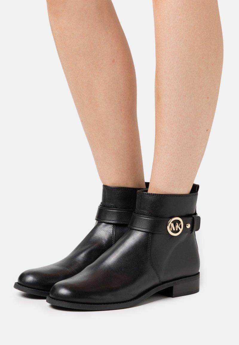MICHAEL Michael Kors - ABIGAIL FLAT BOOTIE - Classic ankle boots - black