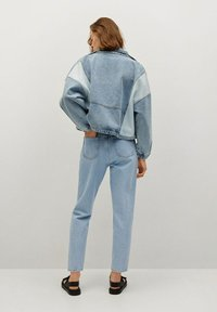 Mango - MOM90 - Jeans Tapered Fit - lichtblauw - 2
