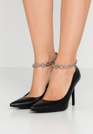 MANOIR ANKLE CHAIN COURT SHOE - High heels - black/silver