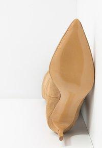 L37 - A LITTLE BIT LONGER - High heeled boots - brown - 6