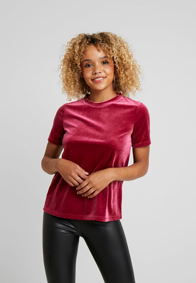 T-shirt med print - beet red