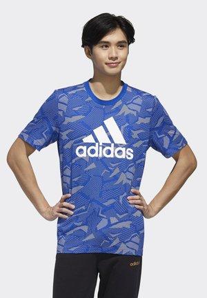 ESSENTIALS ALLOVER PRINT T-SHIRT - Print T-shirt - blue