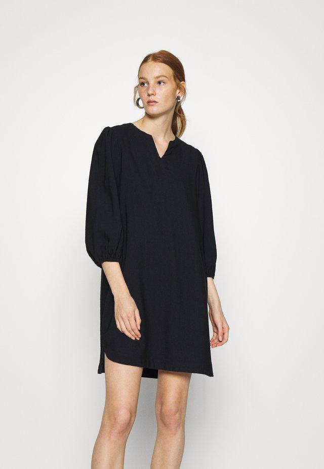 DRESS HILMA - Hverdagskjoler - blackbeaut