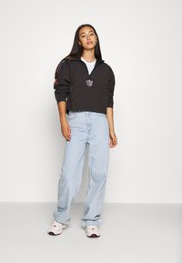 adidas Originals - PAOLINA RUSSO CROPPED HALFZIP - Windjack - black - 1