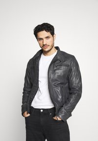 Serge Pariente - ERIC HOOD - Leather jacket - black - 5