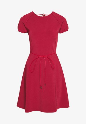 BELTED DRESS - Abito in maglia - red