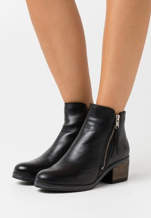 LOTTE - Ankle boot - black