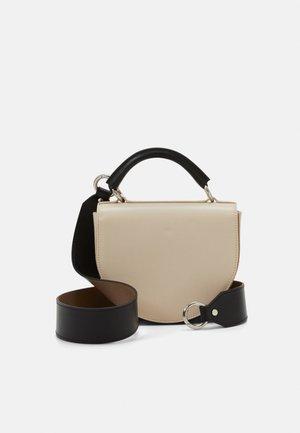 ITTA BAG - Käsilaukku - brown/beige/black