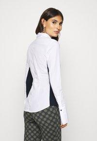 van Laack - MONICA - Button-down blouse - weiß/blau - 2