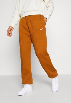 PANT TREND - Tracksuit bottoms - tawny/white