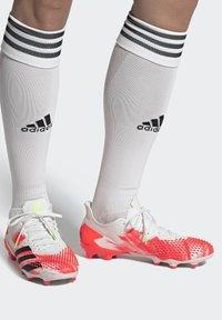 adidas Performance - PREDATOR 20.2 FG - Fotbollsskor fasta dobbar - ftwwht/cblack/pop - 1