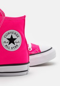 Converse - CHUCK TAYLOR ALL STAR SEASONAL COLOR UNISEX - Zapatillas altas - hyper pink - 5