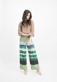 Nicowa - ANELLA - Trousers - green - 1