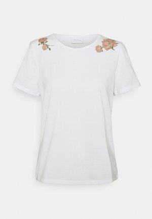 VILINNEA FLOWERS - Print T-shirt - cloud dancer/misty rose