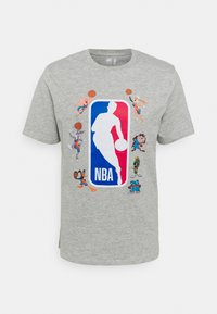 Outerstuff - NBA SPACE JAM 2 SQUAD UP TEE - Print T-shirt - grey - 4