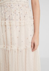 Needle & Thread - RUFFLE GLIMMER DRESS - Vestido de cóctel - pearl rose - 5