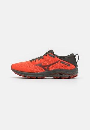 WAVE RIDER TT - Trail running shoes - cherry tomato/black ink