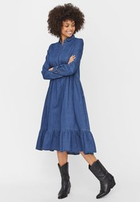 Vero Moda - Maxi dress - medium blue denim - 1