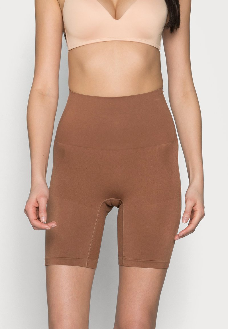 Cotton On Body - SMOOTHER SHAPER HIGH WAIST SHORT - Shapewear - cappucino